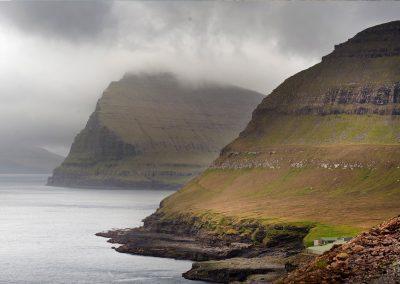 Smukke bjerge - kør-selv ferie og grupperejser på Færøerne