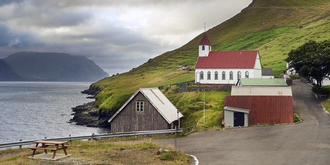 Kør-selv-ferie på Færøerne - bilferie med frihed