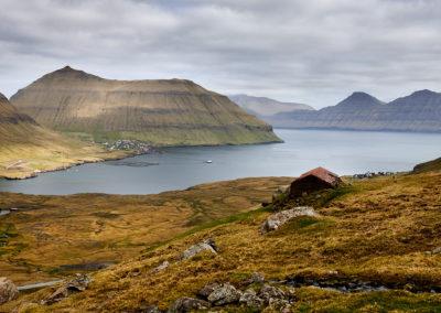 Fjord på Eysturoy på kør-selv ferie, bilferie og grupperejser med FÆRØERNEREJSER