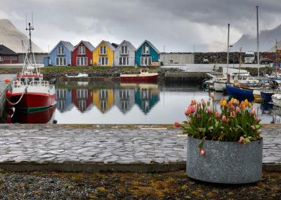 Havnen i Lervik på Eysturoy på kør-selv ferie, bilferie og grupperejser med FÆRØERNEREJSER