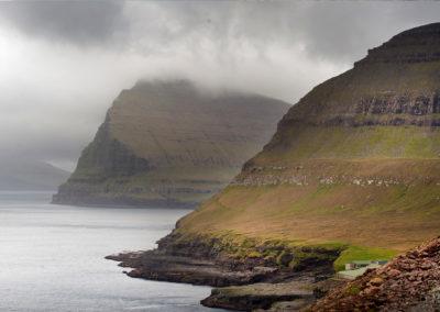 Nordøerne og fascinerende tåge på kør-selv ferie, bilferie og grupperejser med FÆRØERNEREJSER