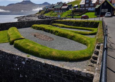 Kvivik vikingebosættelser på Streymoy på kør-selv ferie, bilferie og grupperejser med FÆRØERNEREJSER