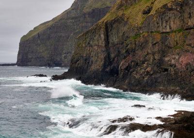 Nordatlanten og klipper på Suduroy på kør-selv ferie, bilferie og grupperejser med FÆRØERNEREJSER