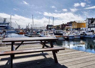 Den hyggelige havn i Torshavn på kør-selv ferie, bilferie og grupperejser med FÆRØERNEREJSER