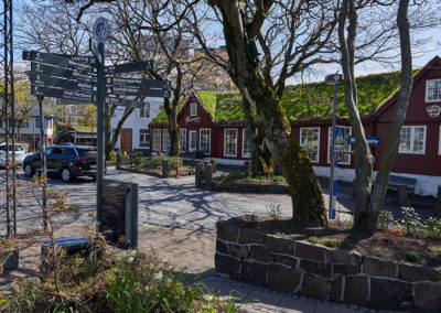 Hyggelige Torshavn på kør-selv ferie, bilferie og grupperejser med FÆRØERNEREJSER