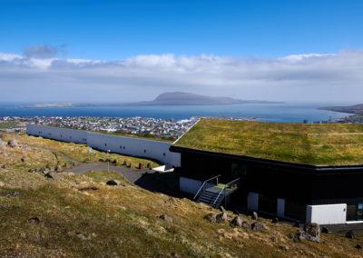 Udsigt fra Hotel Foroyar i Torshavn på kør-selv ferie, bilferie og grupperejser med FÆRØERNEREJSER
